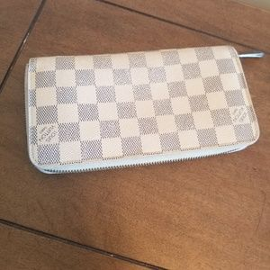 Louis Vuitton Azur Zippy Wallet